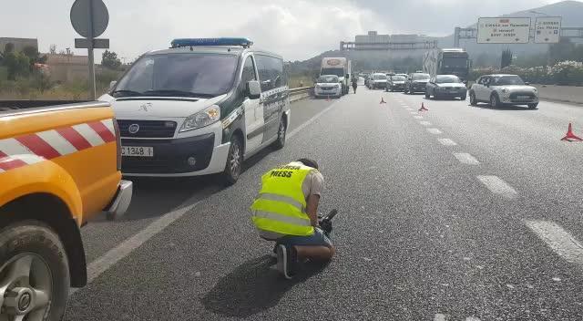Dos mujeres heridas en una colisión en cadena que ha causado retenciones en el acceso a Ibiza