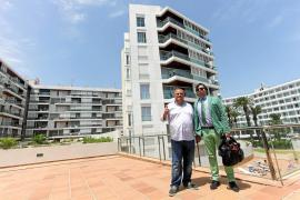 La justicia anula el desahucio ejecutado en 2015 de 18 apartamentos del edificio Bossa del Mar