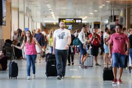 El aeropuerto de Ibiza recibirá este fin de semana más de 164.000 pasajeros