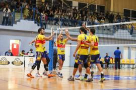 El Ushuaïa Ibiza Voley paga la inscripción en Superliga pero la federación no le garantiza la plaza