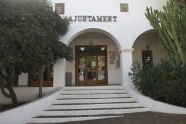 Sant Josep ordena la paralización de unas obras ilegales en una vivienda de Sant Jordi