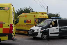 Una pareja de motoristas, heridos en un choque en la carretera de Santa Eulària