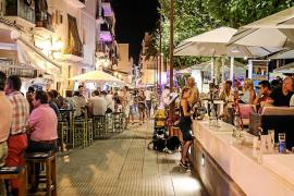 Las terrazas del puerto de Vila serán de titularidad municipal el próximo año