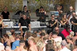 La música de Ibiza House suena en Ocean