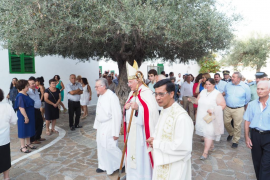 La patrona del mar cumple con su travesía anual en Sant Antoni