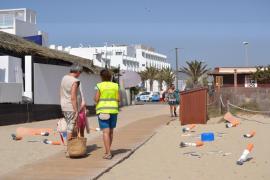 Sant Josep apuesta un año más por mantener sus playas libres de colillas