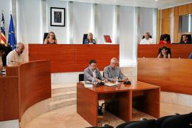 El Consell pide a Aena que aumente el número de trabajadores en el aeropuerto de Ibiza