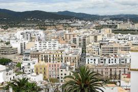 La modificación del alquiler turístico se encalla en la prohibición en Ibiza y Palma
