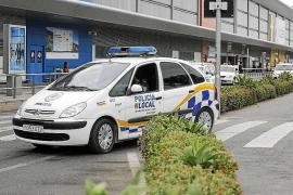 Sant Josep interpone 36 denuncias por venta ambulante y de drogas