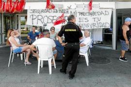 Los vigilantes cumplen una semana en huelga sin desistir al agotamiento