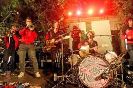 El sonido más 'funkarra' de Muchachito Bombo Infierno hizo temblar las Dalias