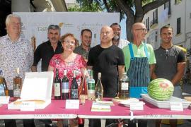 'Sabors d'Eivissa' inaugura su estand de degustación en el Mercat Vell de Vila