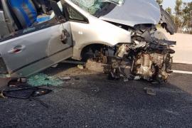 Herido grave tras chocar contra la mediana de la autovía de Sant Antoni