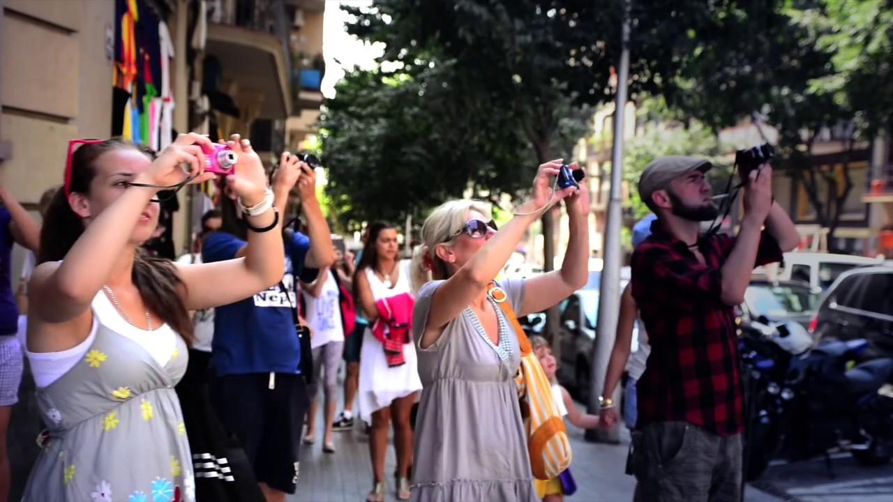 Arran reivindica el ataque a bus turístico en Barcelona