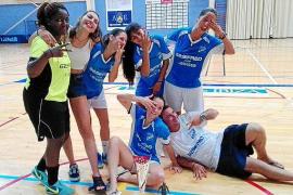 Las chicas del Gasifred Atlético se llevan para sus vitrinas el primer trofeo 'Festes de la Terra'
