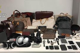 Detenido en Ibiza un hombre por el hurto de una maleta que contenía objetos por valor de 230.000 euros