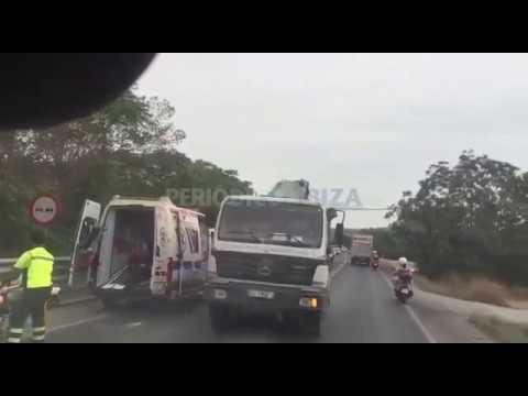 Nuevo accidente de tráfico en un punto negro de la carretera de Santa Eulària