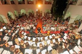 Viaje al pop de los 80 con el Cor Ciutat d'Eivissa