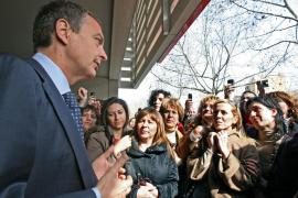 Zapatero insta a los hombres a rebelarse frente al machismo intolerable