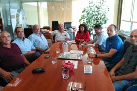 Consell y asociaciones del transporte de Ibiza exigen medidas para erradicar el intrusismo en el sector