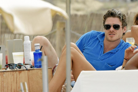 El actor escocés Richard Madden, un turista más en Ibiza