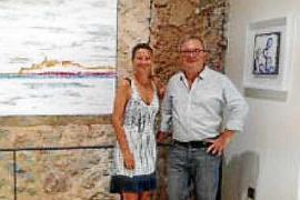 El pasado lunes 31 de julio la artistas afincada en Ibiza Júlia Ribas inauguró una exposición individual de pintura, titulada Bl