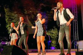 La Década Prodigiosa contagia de ritmo y popurrí el parque Reina Sofía