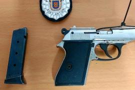 Detenido en Sant Antoni un hombre por agredir y amenazar con una pistola a su pareja