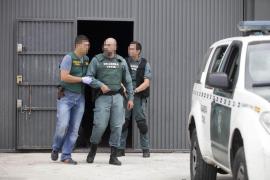 La Guardia Civil realiza registros y detenciones en Ibiza en una operación antidroga