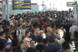 Los trabajadores de Eulen rechazan la propuesta de la Generalitat y mantienen la huelga