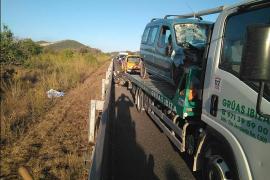 Muere un motorista en un choque frontal contra una furgoneta en Ibiza