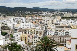 Abren diligencias contra el alquiler turístico irregular de un piso de protección oficial en Ibiza