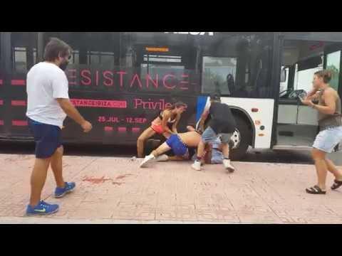 Una pareja de turistas agrede al conductor de un autobús en Sant Antoni
