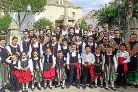 Folklore toledano para celebrar la Mare de Déu d'Agost en Sant Vicent de sa Cala