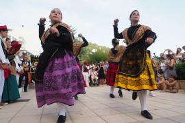Muestra conjunta de bailes ibicenco y manchego en Sant Vicent de Sa Cala (Fotos: Marcelo Sastre)
