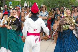 Intercambio de baile folclórico en Sant Vicent de Sa Cala