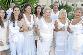 Fiesta de blanco solidaria en Sant Honorat