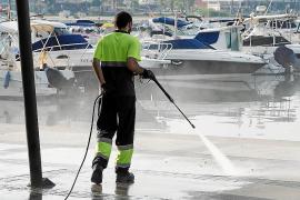 El puerto de Sant Antoni «es un basurero»