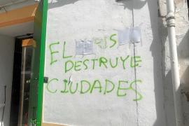 «Es el hambre el que lo destruye todo, no culpemos al turismo»