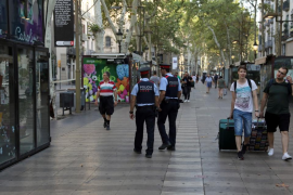 Mossos pide que se acceda a pie y sin mochilas a la concentración en plaza Catalunya
