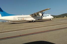Un avión vuelve al aeropuerto de Ibiza tras sufrir una avería mecánica