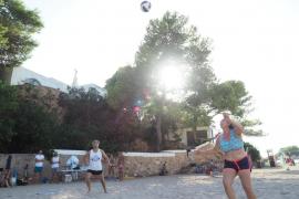 Torneo de voley playa en Cala Gració