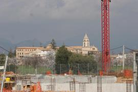 PALMA - OBRAS EN CONSTRUCCION DE UNA URBANIZACION JUNTO AL MONASTERIO DE LA REAL.