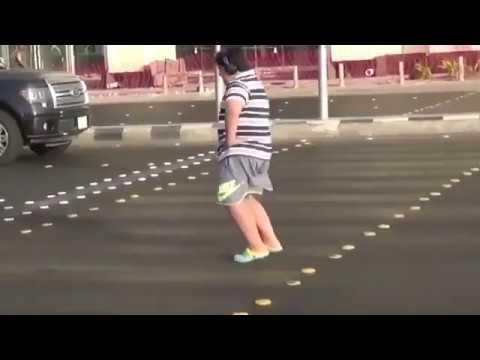 Liberan a un adolescente saudí detenido por bailar La Macarena en plena calle