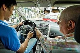 Hasta dos meses de espera para un examen de conducir en Balears