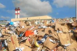 El Consell busca un solar para ampliar la planta de recogida selectiva de residuos