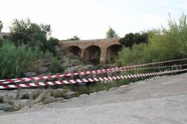 El río de Santa Eulària, acordonado por la contaminación de sus aguas