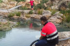 Limpieza de los vertidos del río de Santa Eulària