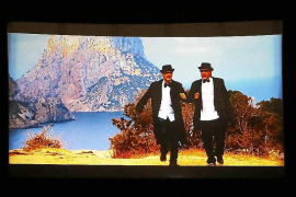 'Érase una vez en Ibiza...' lleva a la pantalla el tiroteo de las cabras de es Vedrà