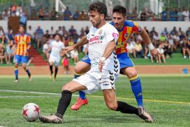 Erik brinda el primer triunfo de la Peña Deportiva